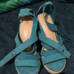Mossimo size 7 blue wedges